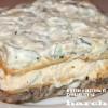 Салат-торт из рыбных консервов с крекерами «Чемпион»