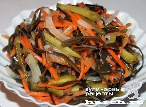 Салат с морковки и морской капусты