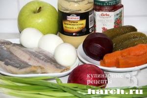 salat is seldi so svekloy leypcigskiy 02 Салат из сельди со свеклой Лейпцигский