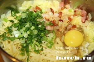 kartofelnie sicheniki s lukom i bekonom 05 Картофельные сиченики с луком и беконом