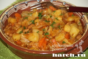 тушеная капуста с картошкой и фасолью