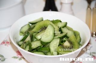 salat is ogurcov s kiwi rosa 4 Салат из огурцов с киви Роса