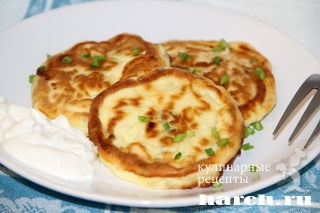 sirniki s zelenim lukom 5 Сырники с зеленым луком