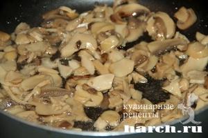 Паприкаш из говядины с грибами