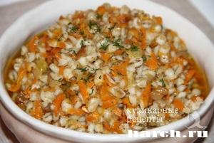 Перловка с салом и морковью