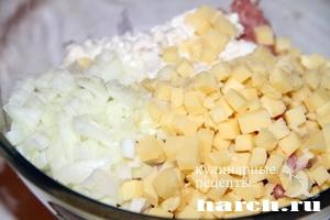 Котлеты с сыром и клюквой по красноярски