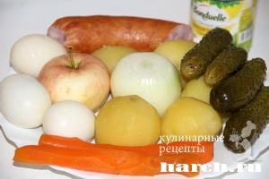 Салат с копченой колбасой Купеческий