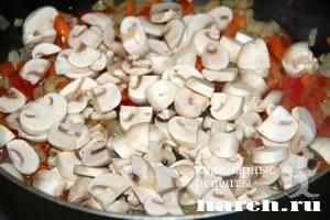 Щи с квашеной капустой, чечевицей и грибами