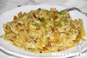 Курица, запеченная с картофелем и ананасами Обеденная
