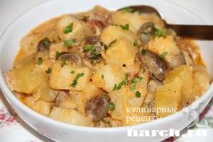 Картофельный гуляш с куриными сердечками