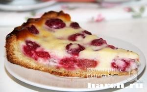 Сладкий пирог с малиной