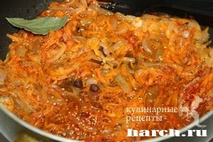 Корюшка с луком и морковью в томате