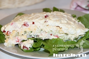 salat is krabovih palochek so sladkim percem letniy brize_8