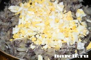 Воздушные пирожки с капустой и грибами