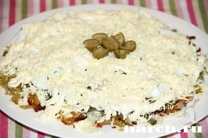 Салат с жареным картофелем и кальмарами Джизак