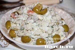salat is malosolnoy skumbrii s olivkami gaisha_9