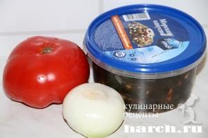 Салат из морской капусты  с помидорами Находка
