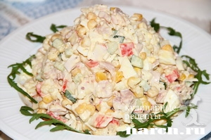 salat s kopchenoy kuricey i kra_7