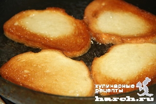 Бутерброды со шпротами и баклажанным соусом