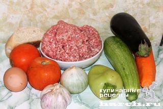 Фрикадельки, запеченные в овощном соте