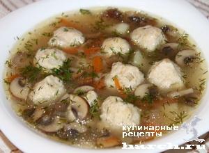 Грибной суп с куриными фрикадельками и рисом