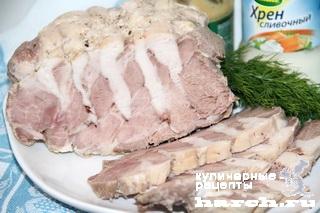 Холодный рулет из свинины с курицей
