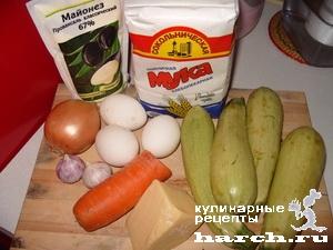 kabachkoviy-tort-s-sirnim-kremom_01