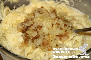 Картофельная бабка со свининой и грибами