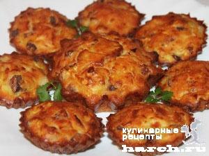 keksi is kabachkov s lukom i sirom 101 Кексы из кабачков с копченостями и жареным луком
