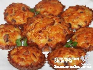 keksi is kabachkov s lukom i sirom 111 Кексы из кабачков с копченостями и жареным луком