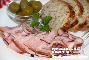 Копченое мясо, маринованное с луком