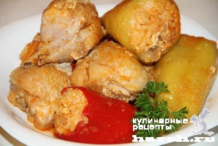 kurica tushenaya s farshirovanim percem v podlive 11 Курица, тушеная с фаршированным перцем в подливе