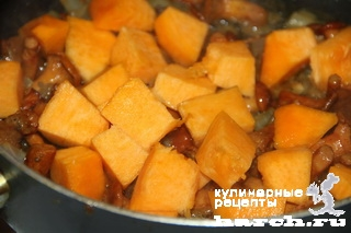 kurinaya pechen s lisichkami i tikvoy 07 Куриная печень с лисичками и тыквой