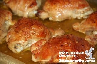 Куриные бедра, фаршированные ветчиной и сыром