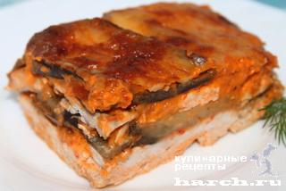 Куриное филе, запеченное с баклажанами в соусе под сыром