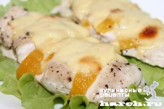Куриное филе с персиками и сыром в духовке рецепт