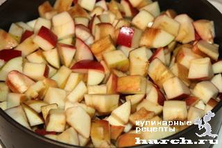 Израильский мокрый яблочный пирог