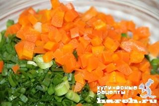 Морковный салат с зеленым луком