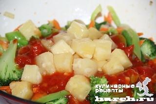 Овощи с грибами в кисло сладком соусе