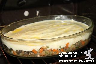 Печень, запеченная с грибами под картофельной шубой