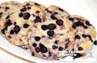 Печенье с черникой и орехами