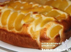 Пирог с консервированными фруктами
