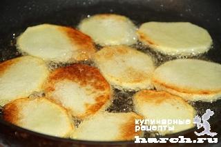 Рыба с картофелем и помидорами по-суворовски
