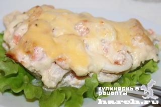 Рыба с морепродуктами под сыром