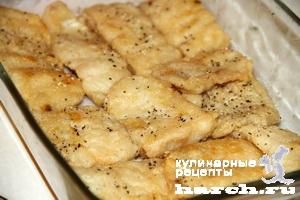 Рыба, запеченная с цветной капустой, брокколи и сухариками
