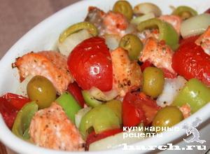Рыба, запеченная с помидорами и оливками по-испански
