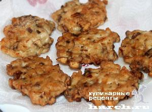 Рубленые куриные оладьи с грибами