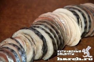 Рулет из скумбрии с чесноком