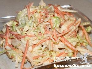 Салат из белокочанной капусты с кальмаром Владивосток
