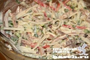 Салат из крабовых палочек и ветчины